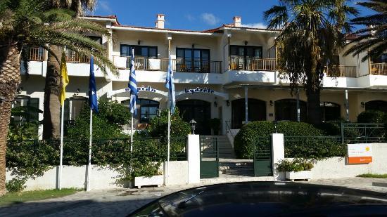 Potokaki, Yunanistan: Front of hotel