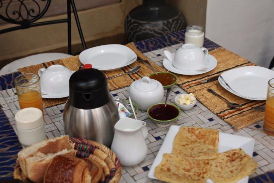 Riad Granvilier : daily breakfast