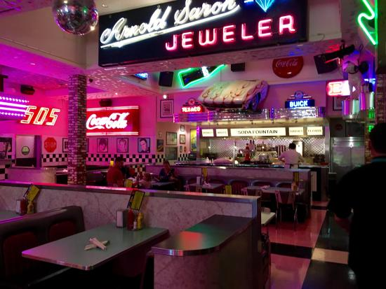 corvette diner. Cars Review. Best American Auto & Cars Review