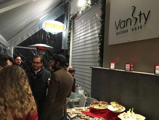 San Sebastiano al Vesuvio, إيطاليا: Vanity Deluxe Cafe'