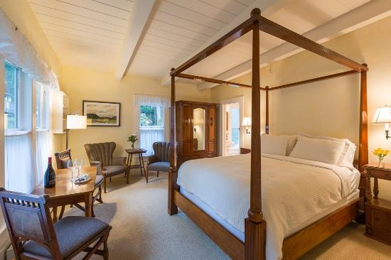 Glendeven Inn Mendocino: The Garden Room