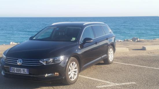 Biot, Prancis: New VW Passat SW - 4 pax with luggages
