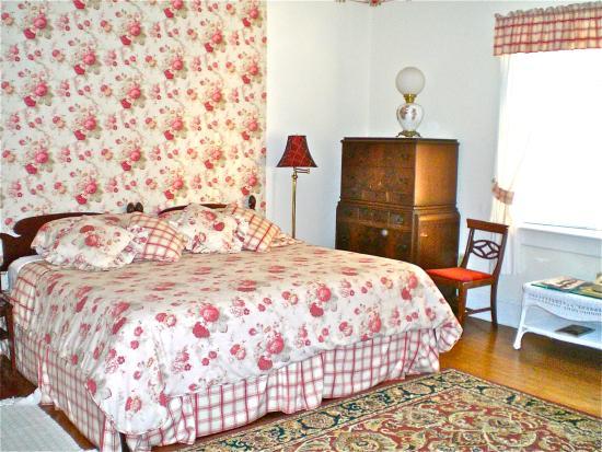 Whistler's Inn: The Rose Room