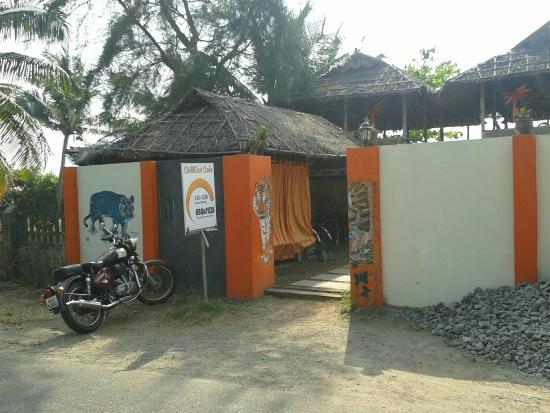 Chilliout Cafe Cherai beach: Well worth fiding