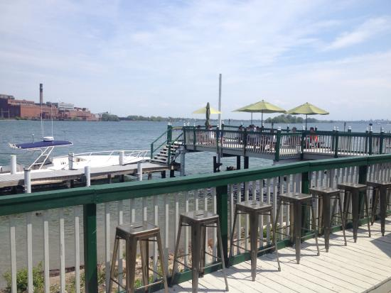 Grand Island, NY: deck and dock