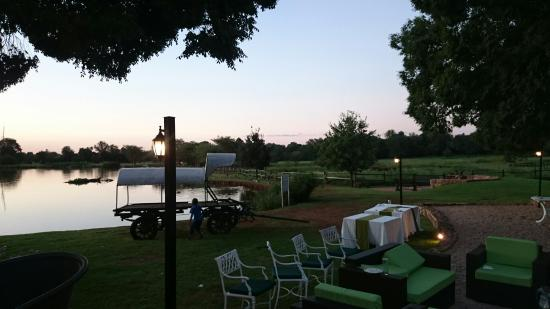 African Pride Irene Country Lodge: Lovely lakeside sunset