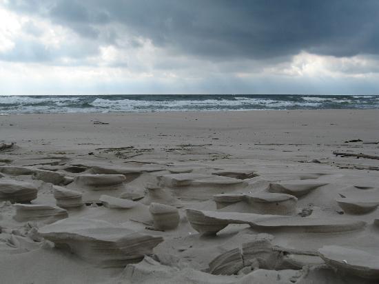 Melnrage Beach