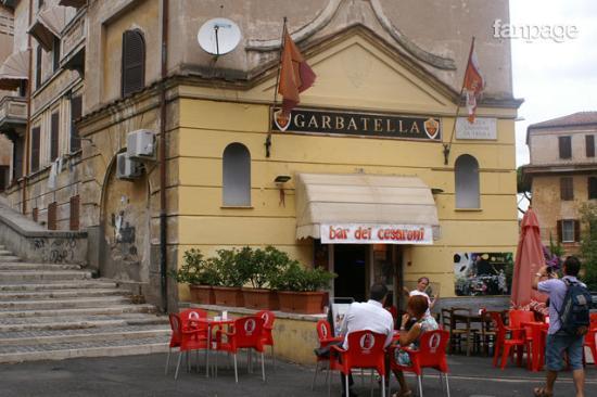 Uno dei lotti della garbatella foto di quartiere for Interno 5 b b roma