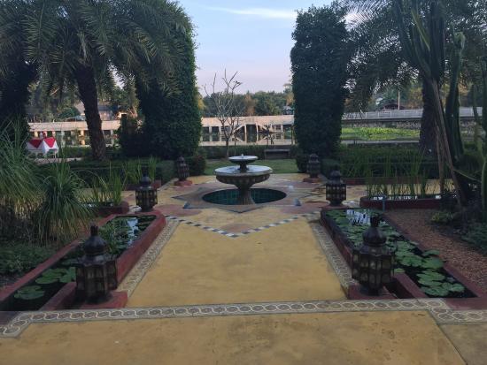 Sheik Istana Hotel Photo
