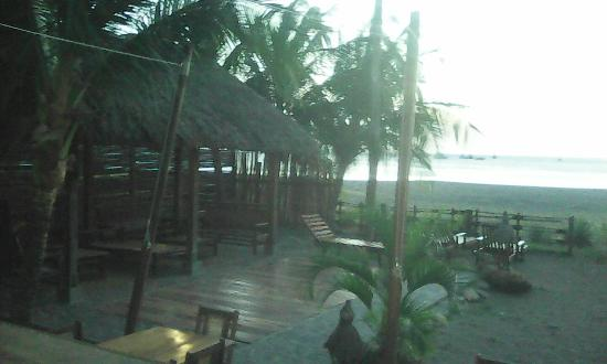 Bambu Beach : Dinner date at sunset, margaritas and daiquiri, apply then dinner