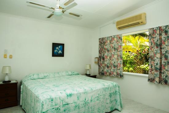 Sunhaven Beach Bungalows: Beachfront Studio Suite