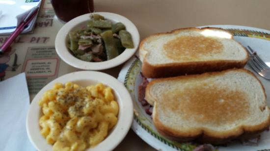 Andalusia, AL: Larry's Real Pit Bar-B-Q