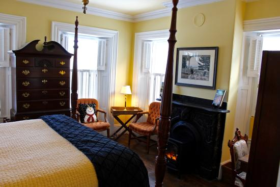 Ardmore Inn: Chris Bohjalian Room