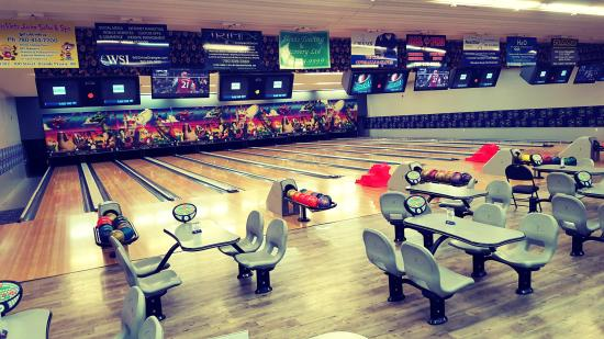Bowling Stones 10-pin Entertainment center