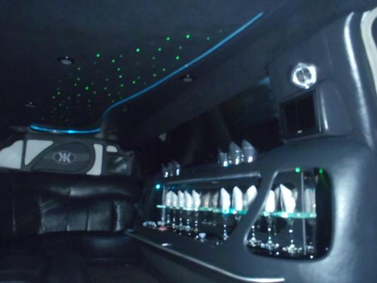 Benicia, แคลิฟอร์เนีย: Chrysler 300 Interior