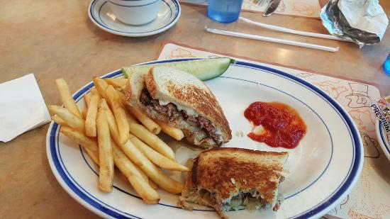 Newtown, CT: Blue Colony Diner