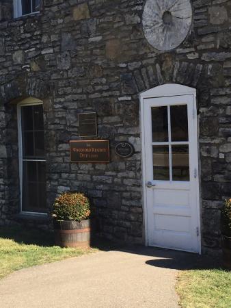 Versailles, Kentucky: Entrance