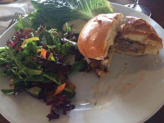 Patrona Restaurant and Lounge: Turkey burger lunch special