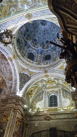 Basilica de Nuestra Senora de las Angustias: Interior