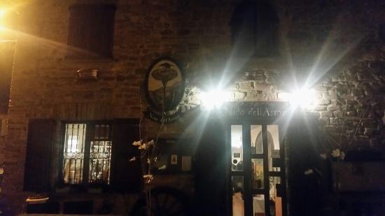 Arcevia, Italia: 20160130_211611_large.jpg