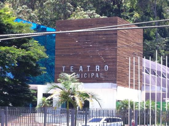 ‪Teatro do Country Clube de Nova Friburgo‬