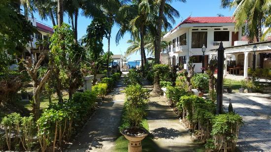 Mindorinne Oriental Beach Resort : View to the beach