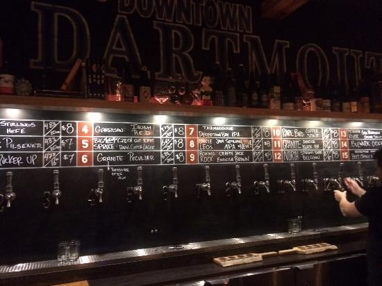 Dartmouth, Kanada: The bar