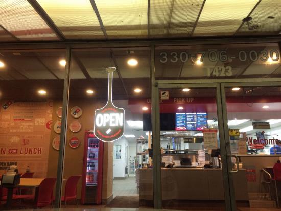 Barberton, OH: Domino's Pizza