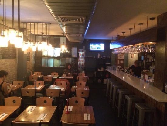 Zoob Zib Thai Noodle Bar : Interior of restaurant
