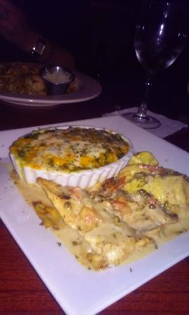 Royal Palm Beach, FL: Chicken Chasseur with Creamed Spinach Au Gratin