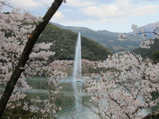 Ichifusa Dam Lake Giant Fountain