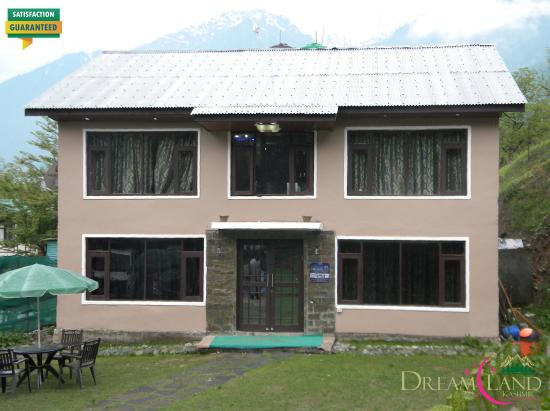 Dreamland Kashmir Cottage