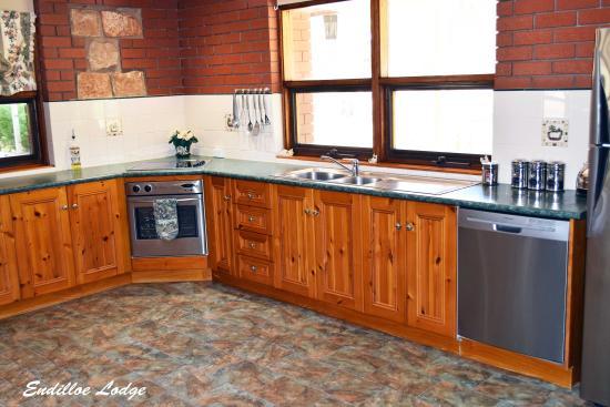 Endilloe Lodge B&B: Self Contained Kitchen