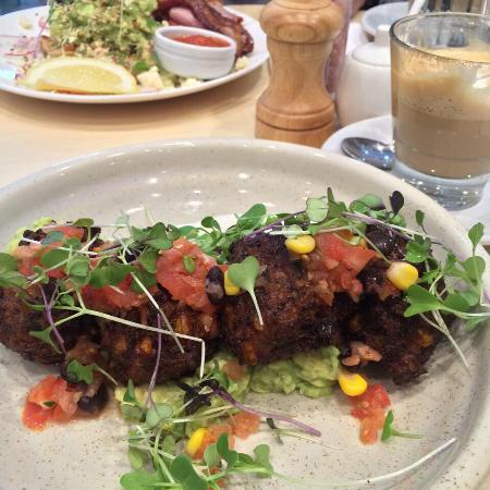 Essendon, Austrália: Corn and zucchini fritters