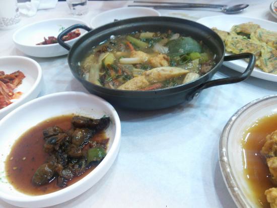 Tongyeong, Corea del Sur: センセンクルマウル テプングァン Bセット