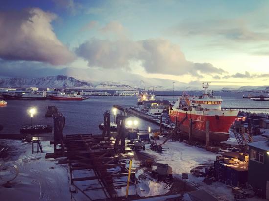 Icelandair Hotel Reykjavik Marina: Attic room for wonderful views and northern light spotting!