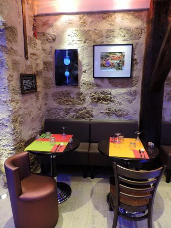 Restaurant vin bleu pezenas dans pezenas avec cuisine for Restaurant a pezenas
