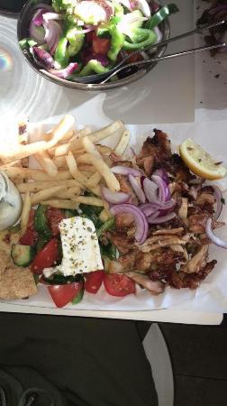 Oakleigh, ออสเตรเลีย: Chicken gyros platter