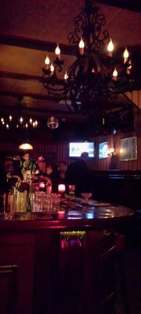 Hotel Tamara: Superb Irish bar.