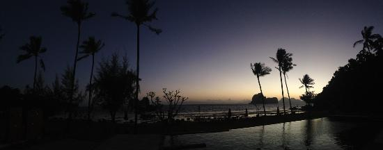 Thanya Beach Resort Photo