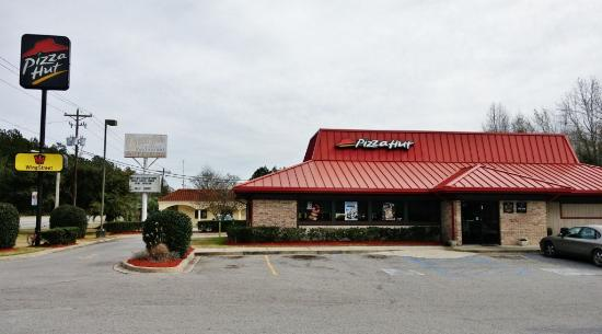 Saint George, SC: Pizza Hut, St. George, SC, Jan 2016