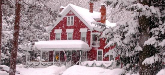 Bartlett Inn Best NH Ski Lodging!