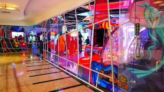 Omg Food Court & Party Hall: With over 80 Games & RIdes