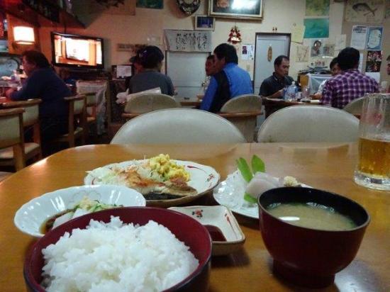 Minamidaito-son, Japan: 料理
