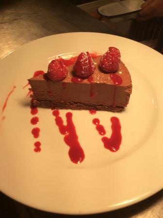 Knutsford, UK: chocolate torte