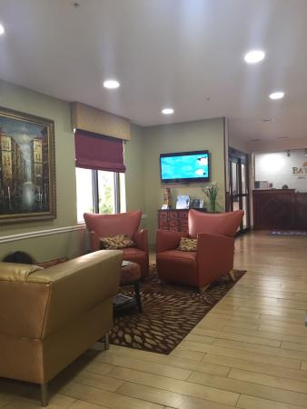 Lobby Picture Of Baymont Inn Suites Savannah Garden City Garden City Tripadvisor