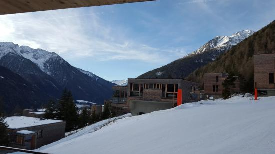 Kals am Grossglockner, Østerrike: Ski Abfahrt bis ins Hotelgelände