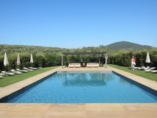 Amazing Hotel With Wonderful Pool & Close To The Delightful Village Of Capalbio