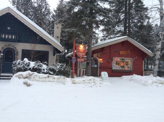 Val David, Kanada: Reception