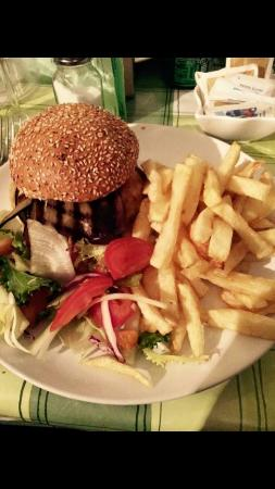 Bexhill-on-Sea, UK: Homemade steak burger and chips